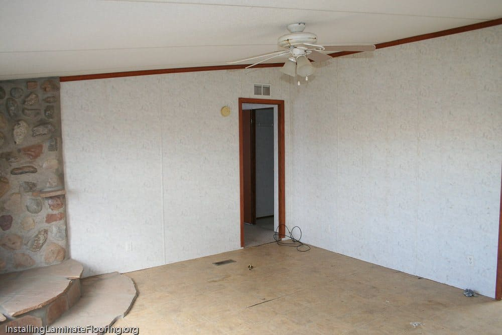 Mobile home laminate installation - before